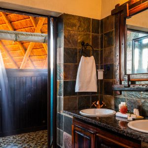 Jamila Lodge Outdoor Shower