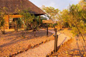 Jamila Lodge Elephant Room pathway