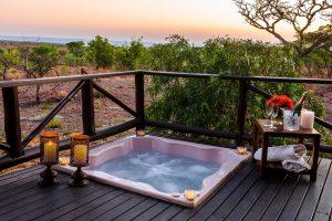 Jamila Lodge Lion Jacuzzi at Sunset