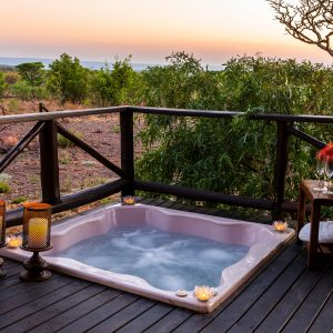Jamila Lodge Lion Jacuzzi at Sunset