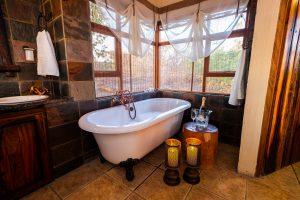 Jamila Lodge Romantic Turn down bathroom set up
