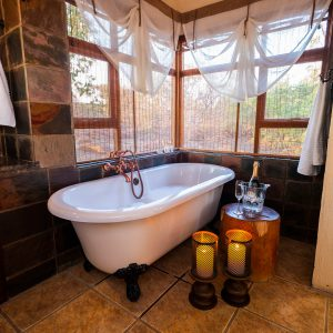 Jamila Lodge Romantic Turn down bathroom set up