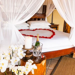 Jamila Lodge Romantic Turn down set up
